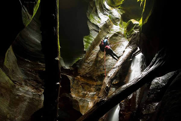 canyoning blue mountains